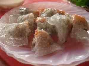 Fresh spring roll - steamed, not fried, filled with pork, sausage or shrimp