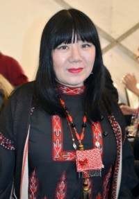 Anna Sui Backstage at NYFW-Feb-2015 by Angel Rivera
