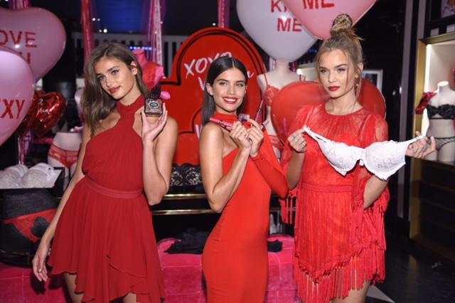 Victorias Secret Angels Taylor Hill Sara Sampaio Josephine Skriver Celebrate Valentines Day 2