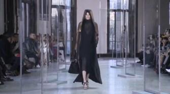 AKRIS Runway Ready-To-Wear Fall Winter 2017-2018 at Paris Fashion Week