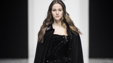 Valentin Yudashkin opened the Moscow Fashion Week presented the ready-to-wear Fall/Winter 2017-2018