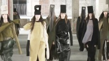 RICK OWENS Runway Show FALL WINTER 2017-18