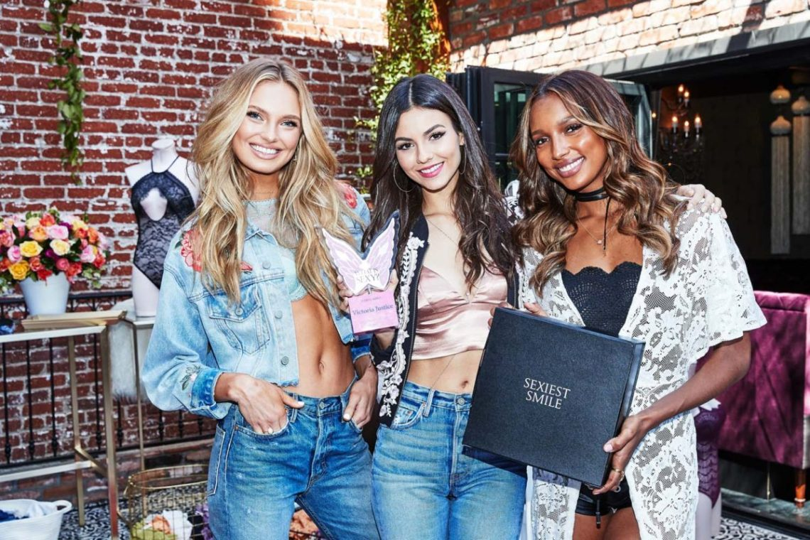 Victoria's Secret Angels Present Victoria Justice What is Sexy Award