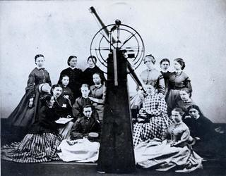 Maria Mitchell poses with the first Astronomy class at Vassar College from www.vcencyclopedia.vassar.edu/faculty/original-faculty/maria-mitchell1.html