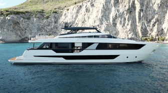 FERRETTI YACHTS 1000: BIGGER AND BETTER