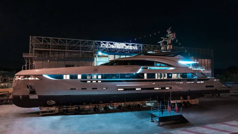 ROSSINAVI LAUNCHES VECTOR 50 M/Y EIV