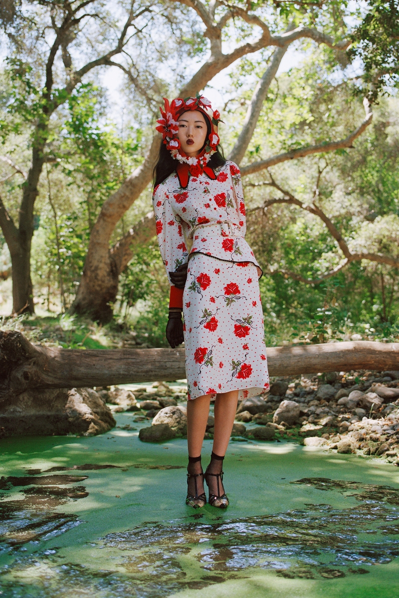 RED ROSE PRINTED SILK BLOUSE WITH LACE TRIM AND SILK ROSE - LOOK 25