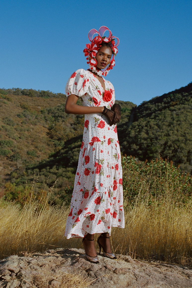 RED ROSE PRINTED SILK TIERED DRESS WITH SILK ROSE - LOOK 5