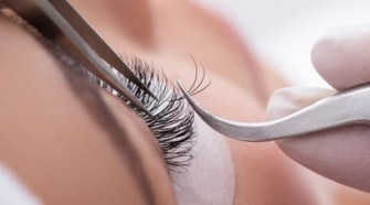 What To Look for in an Eyelash Extension Artist