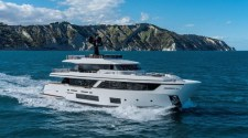 "CUSTOM LINE PRESENTS THE NEW NAVETTA 30: ""THE ART OF MOVEMENT"""