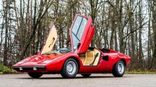 "Lamborghini Miura SV and Countach LP 400 ""Periscopio"" fetch record prices at the RM Sotheby's Paris sale"
