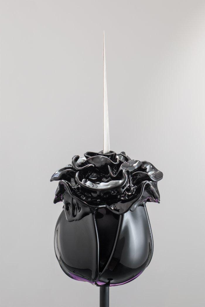 Detail of Rosemarie's Divorce, Renate Bertlmann (2019). Glass, pedestal, scalpels, and steel.
