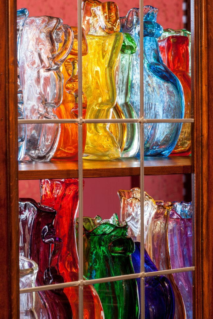 The Container of Thinking, Yin Xiuzhen (2015). Glass.