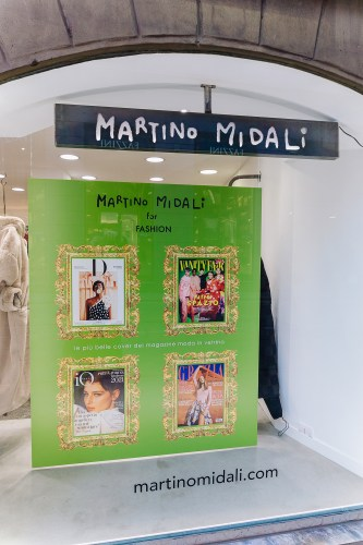 Martino Midalidedicated the windows of the shops in via Mercato and via Madonnina, the historical and iconic art district, to fashion and lifestyle magazines: green window