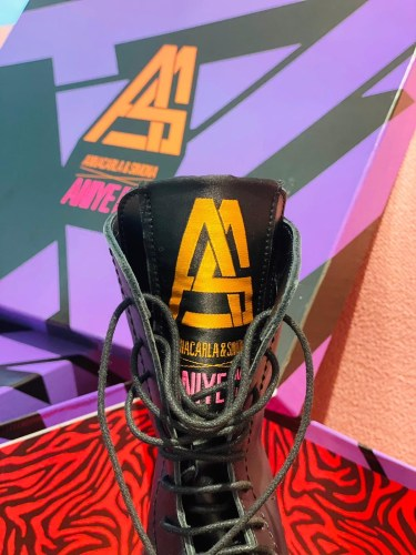 """""""BOOTS & PUMPS CAPSULE"""" FW 21-22. The mix & match of ANIYE BY and its BOMB PACKAGING: detail 3"""