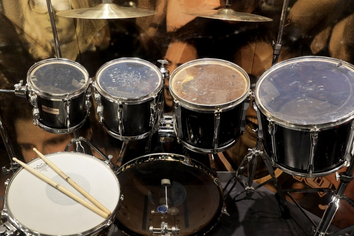 Carter Beauford's 1990s-played drum kit- up close