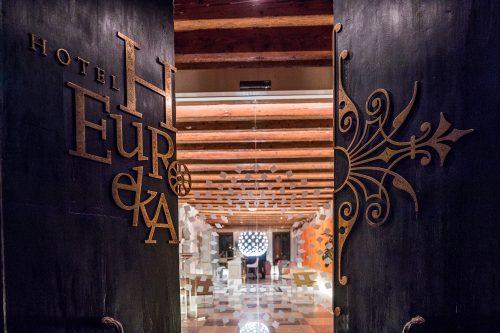 The entrance of Hotel Eureka
