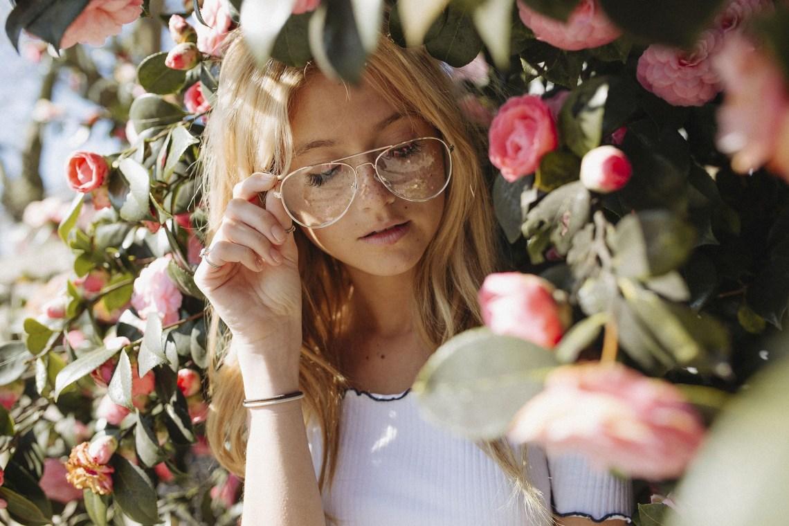 woman glasses 1