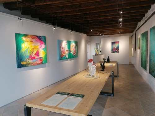 Discover Sant'Eufemia Gallery and the Emerald Exhibition 17
