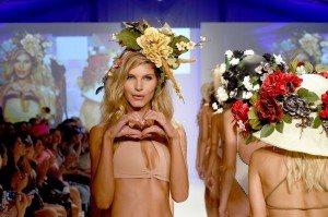 Baes and Bikinis Epitomizes Endless Summer on SWIMMIAMI Runway 5