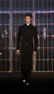 Hakan Akkaya Fall-Winter 16 / 17 Fashion Show In Istanbul 17