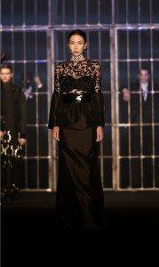 Hakan Akkaya Fall-Winter 16 / 17 Fashion Show In Istanbul 3