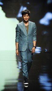 Kenneth Barlis Runway Show at Los Angeles Fashion Week 1