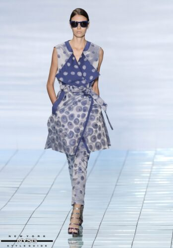 LIE SANGBONG Spring-Summer 2015 Collection Show 25