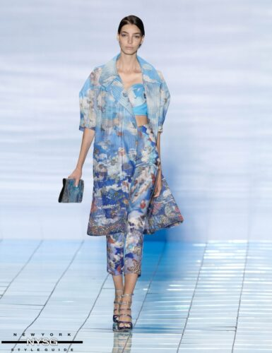 LIE SANGBONG Spring-Summer 2015 Collection Show 19