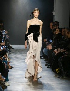 Marchesa Fall 2017 Collection at New York Fashion Week 45