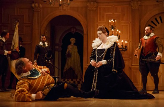 Foreground, Mark Rylance as King Richard III, Samuel Barnett as Queen Elizabeth; background, Peter Hamilton Dyer as Catesby, Jethro Skinner as Guard, John Paul Connolly as Ratcliff,