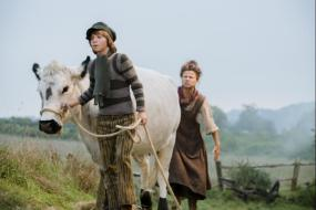 Jack (Daniel Huttlestone) and his mother (Tracey Ullman)
