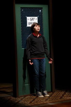 Emily Skeggs as Medium Allison in Fun Home