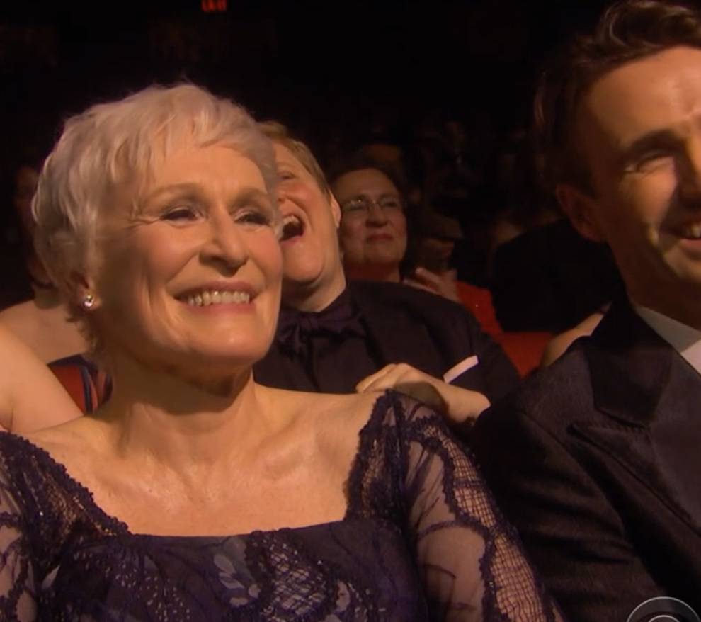 Glenn Close reacting to Kevin Spacey's spoof of her character in Sunset Boulevard in the opening number