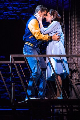 Tony Yazbeck an Kaley Ann Voorhees in West Side Story