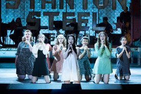 """RISE -- """"Opening Night"""" Episode 110 -- Pictured: (l-r) Shannon Purser as Anabelle, Erin Kommor as Sasha, Katherine Ries as Jolene, Auli'i Cravalho as Lilette Suarez, Rachel Hilson as Harmony, Amy Forsyth as Gwen Strickland, Alexis Molnar as Lexi -- (Photo by: Virginia Sherwood/NBC)"""