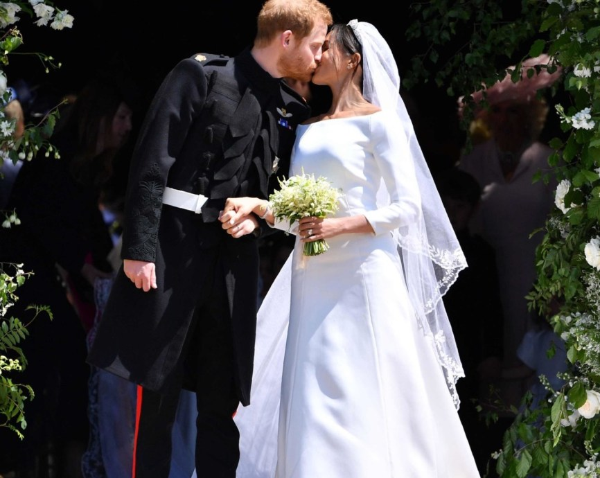 Prince and Duchess kiss