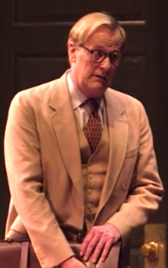 Jeff Daniels as Atticus Finch in To Kill A Mockingbird