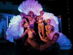burlesque dancers in Nutcracker Rouge