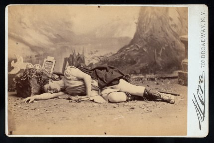Caesar nypl.digitalcollections.510d47df-03bb-a3d9-e040-e00a18064a99.001.w