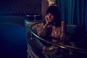 FOSSE VERDON -- Pictured: Aya Cash as Joan Simon. CR: Pari Dukovic/FX