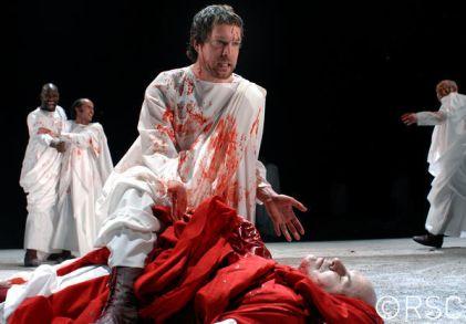 Julius Caesar_ 2006_ Brutus stabs Caesar_2006_Photo by Paul Ros _c_ RSC_161747