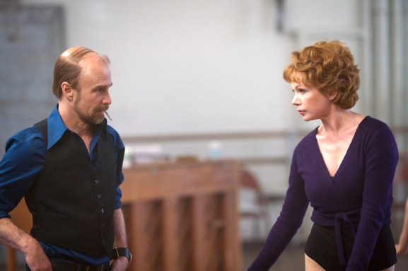 "FOSSE VERDON ""All I care About Is Love"" Episode 6 (Airs Tuesday, May 14, 10:00 pm/ep) -- Pictured: (l-r) Sam Rockwell as Bob Fosse, Michelle Williams as Gwen Verdon. CR: Michael Parmelee/FX"