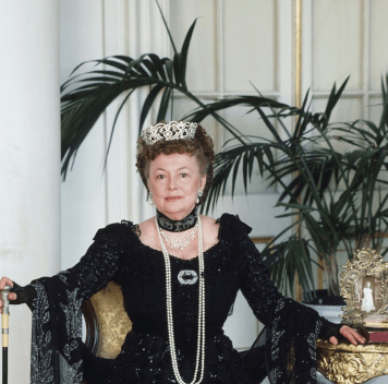 "de Havilland as Dowager Empress Maria in the 1986 miniseries ""Anastasia: The Mystery of Anna"" (NBC)"