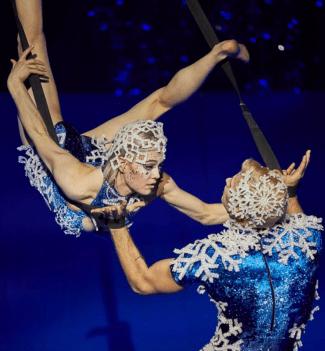 Cirque du Soleil's Twas the Night Before