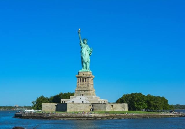 Statue de la Liberté, piédestal, couronne