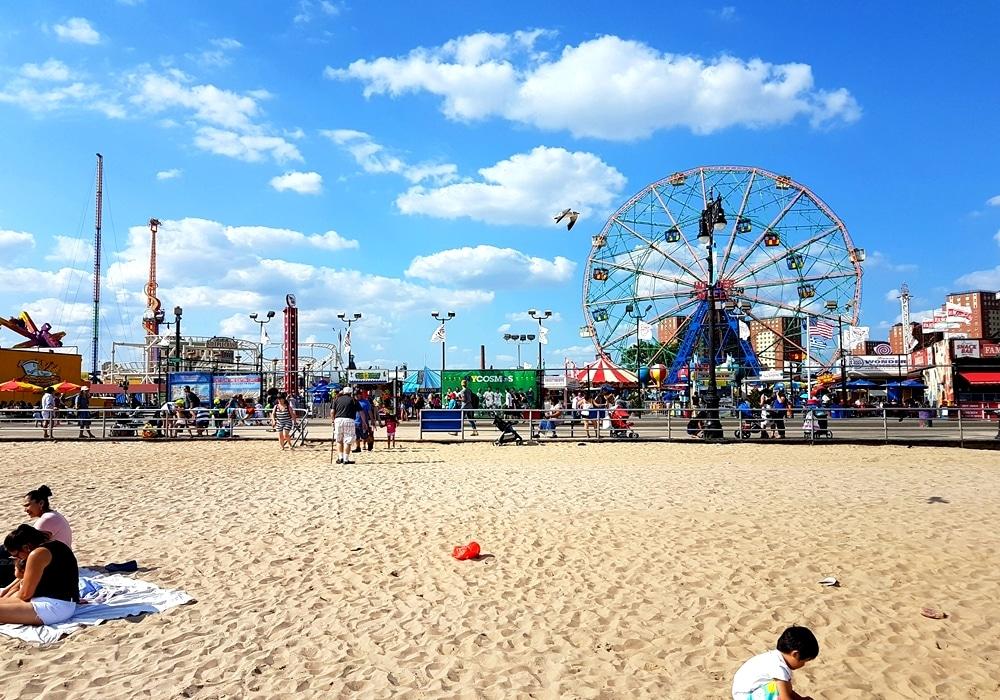 Coney Island : plage, hot dogs et Luna Park à New York