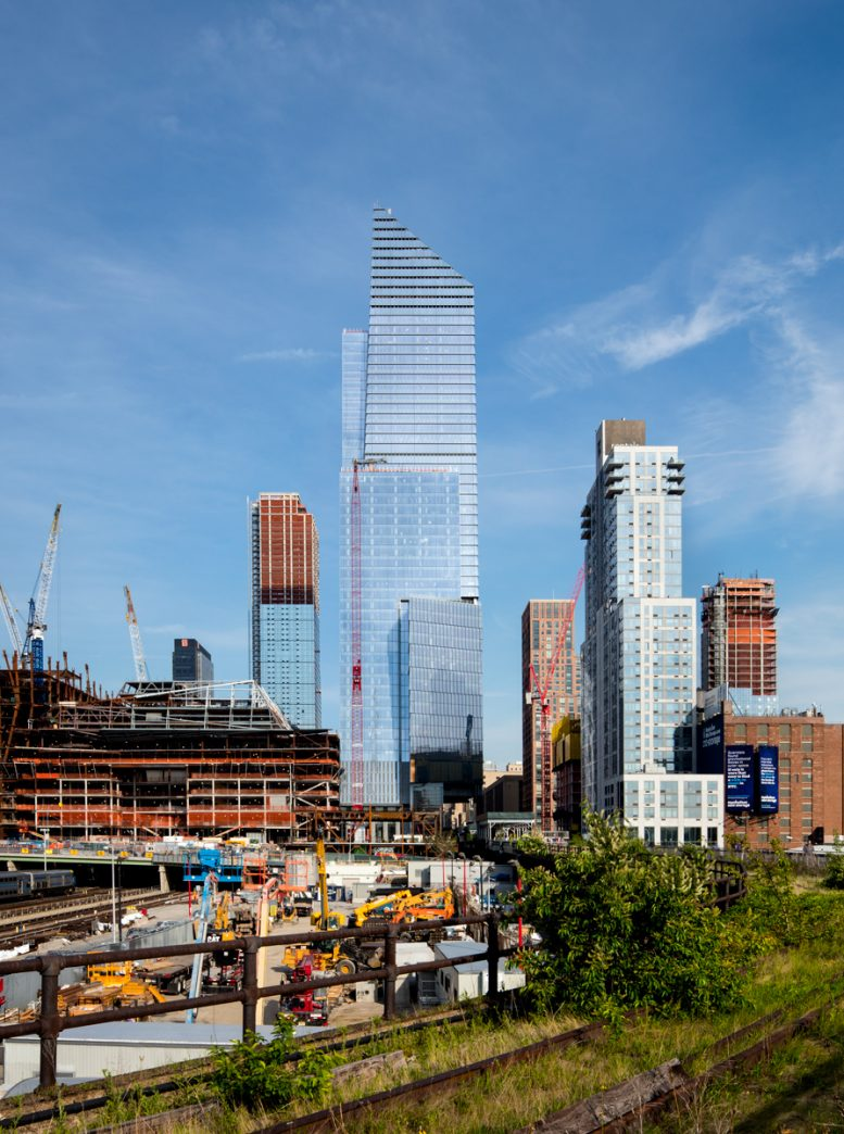 See New Views Of 10 Hudson Yards As Office Tower Opens