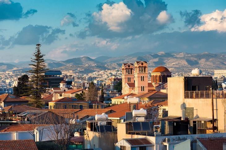 为什么中国富豪政要热爱移民欧洲小国塞浦路斯?
