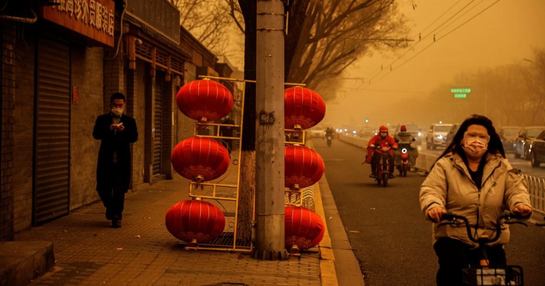 蒙古国过度放牧和开矿,导致中国遭受严重沙尘暴
